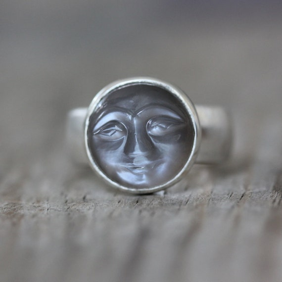 SIZE 8 Quarry Gray Moonstone Ring, Smiley Carved Moonstone Face, Wide Band Ring, Sterling Silver RIng