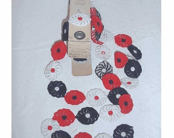 Groovy 1960s RED WHITE and BLUE Flower Applique Trim
