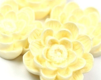 Flower Cabochon Plastic 24mm Ivory (2) PC151