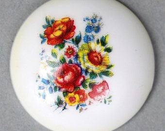 Vintage Cameo Plastic Floral 28mm White Style 2 (4) VIC230