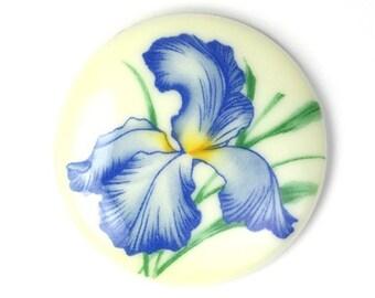 Vintage Plastic Floral Cameos 35mm Blue Iris Flowers (1) VIC240