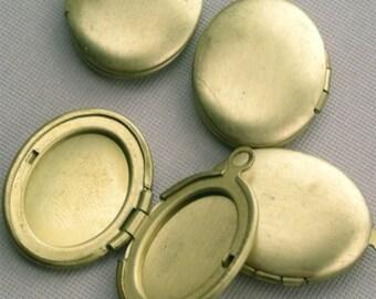 Vintage Raw Brass Lockets Plain Oval (4) BLO03