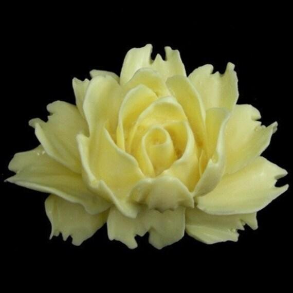 Plastic Flower Cabochons Rose Large Ivory 43/32mm (2) PC112