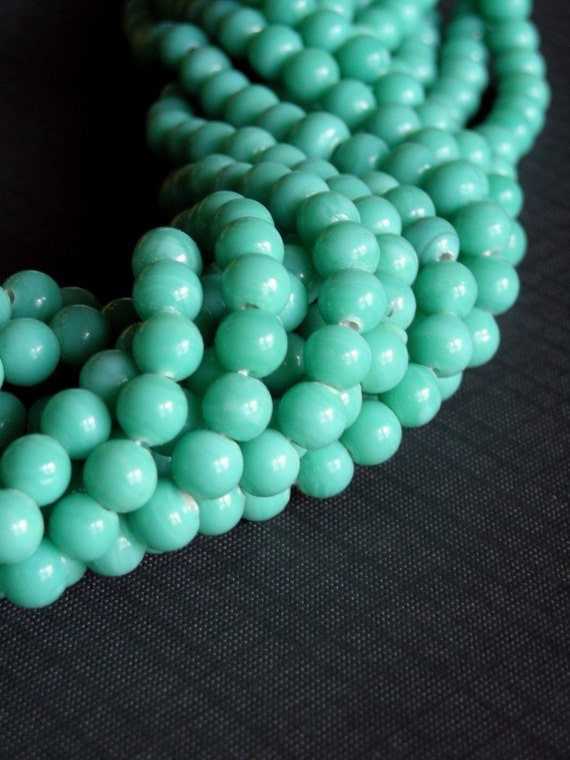 1930's Vintage Turquoise Glass 5mm Round - 24 beads     VGB13