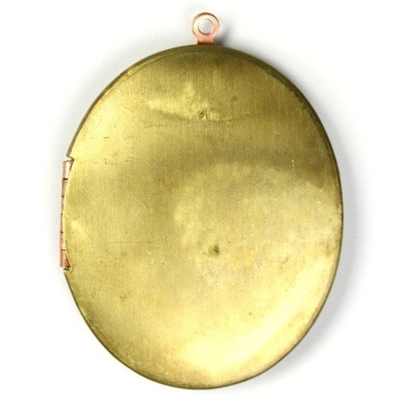 Vintage Locket Large Oval Raw Brass 46x38mm (1) VCP052