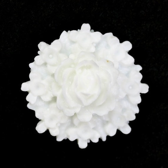 Plastic Flower Cabochons Rose Clusters 26mm White (3) PC299