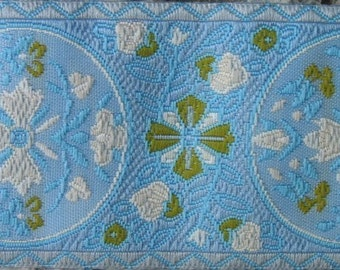 2 yards MARIE ANTOINETTE Jacquard trim in sage, ivory, on aqua, with pale blue edges. 319-E