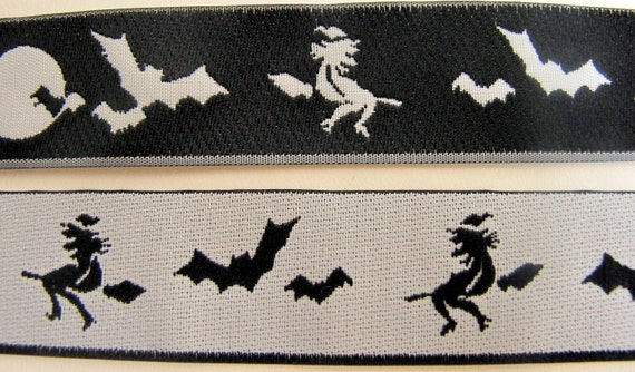 3 yards WITCHY Fully Reversible fabric Jacquard trim in white and black. 7/8 inch wide. 910-A