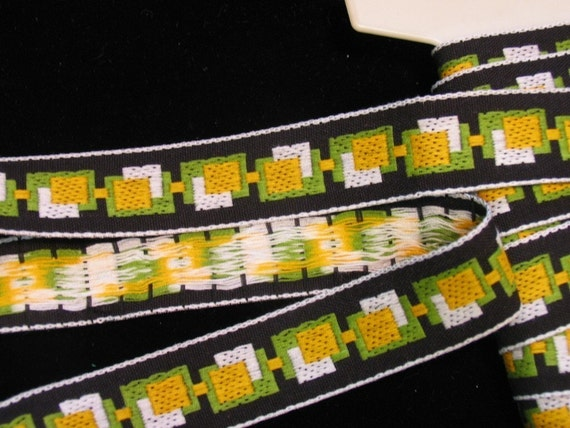 2 3\/4 yards of vintage FIFTIES CUBIC Jacquard trim in yellow, white, green on black. 1 inch wide. 588-B