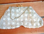 Vintage 1960's Handbag Formal Purse Beaded White Cream Silk Purse with Gold Hardware Lucite Clasp Mid Century Purse Vintage Beaded Handbag