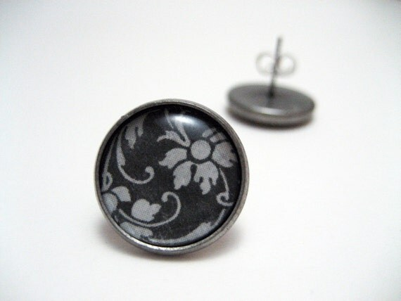 Damask Flower Studs - Black and white damask flower and vine motif post earrings - French Inspired