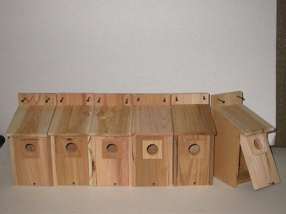 6  CEDAR  BLUEBIRD BIRDHOUSES .. free shipping...