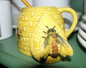 Vintage Honey Jar, Bumble Bees, Honey Bee Hive, Honey Comb, Bees, Folk Art, Bee Keeper decor Rural relic for kitchen table in Country Cottage or Farm House ideal for Cowgirl or Sweetheart Buzz Buzz  Country Collectible, Made in Japan, Ceramic, Pottery