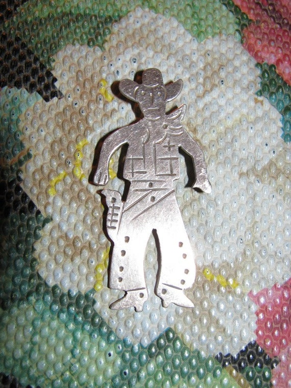 Sterling Silver 925 Mexico Pin, Sheriff, Cowboy Bob Gun Fighter Western Rodeo jewelry retro Texana unique Cowpoke Brooch, Stock Show