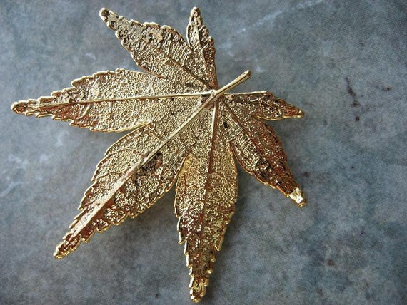 Real Leaf Brooch/Pin and Pendant - 24k Gold - Japanese  Maple