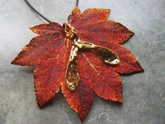 Full Moon Maple Leaf Pendant Gold Maple Leaf Pendant Gold |Full Moon Maple Leaf