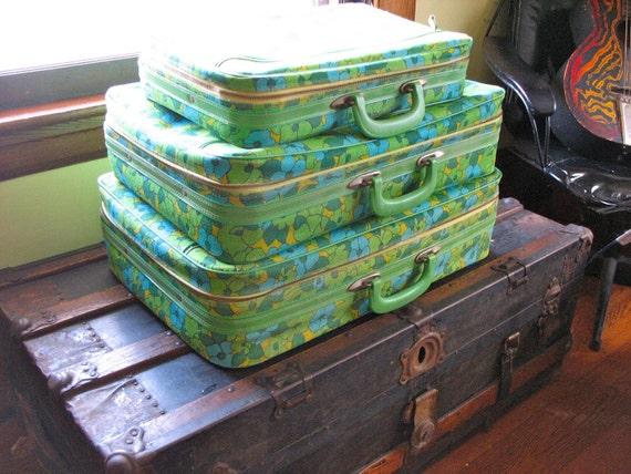 Vintage Luggage Set - 3pc. extra groovy floral print