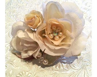 Cream Roses Hairpiece