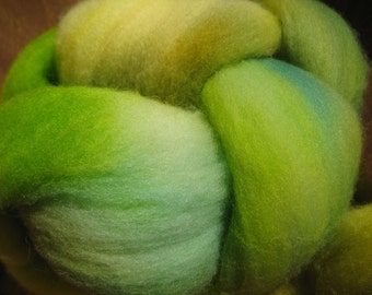 Woolpops Targhee Roving in Buttercup
