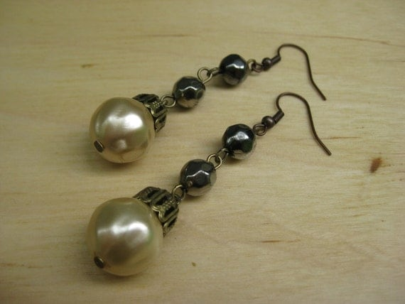 Insouciant Studios Coal and Pearls Earrings