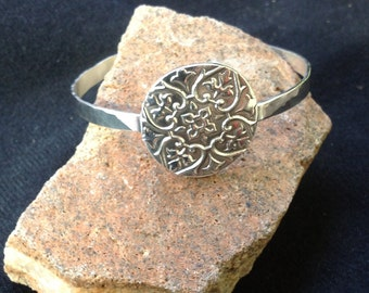 Cuff bracelet with PMC medallion 01-823