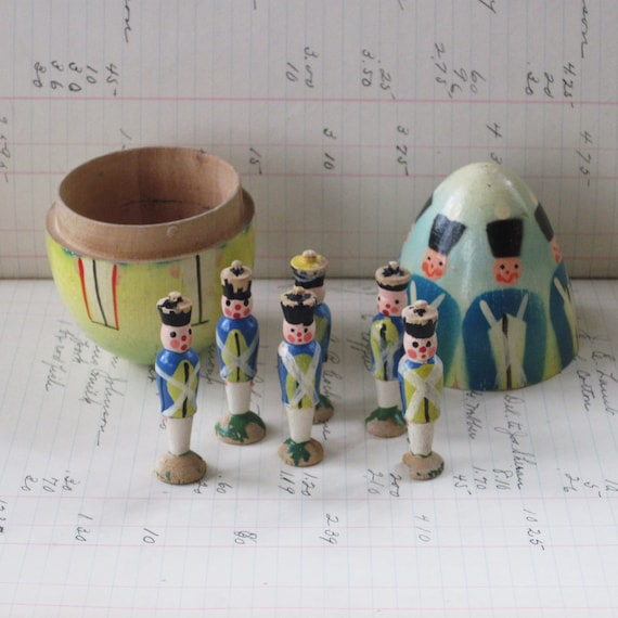 Vintage Wooden Egg With Toy Soldiers Skittle Game