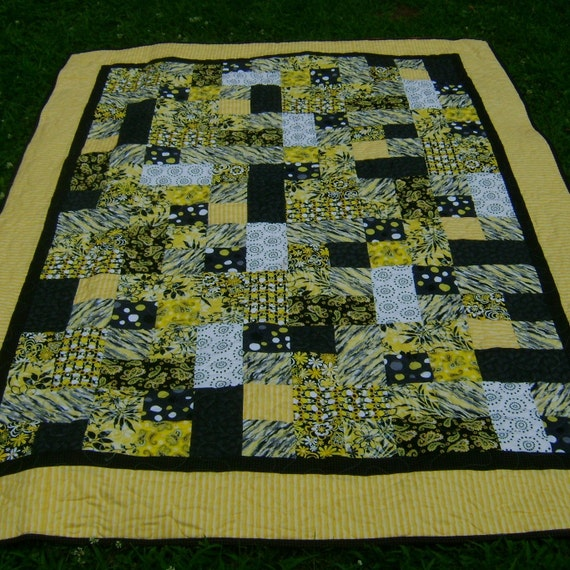 Twin Size Yellow Black And White Quilt