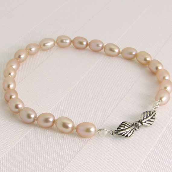 Hand-knotted Pink Pearls Bracelet