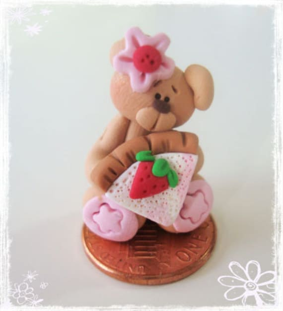 Bear with Cheese Cake Polymer Clay Charm Bead, Scrapbooking, Bow Center, Pendant, Cupcake topper, Magnet