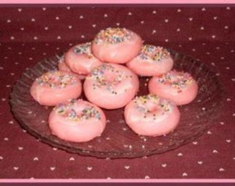 Strawberry Crunch and Vanilla Grubby Wax Doughnut Tarts