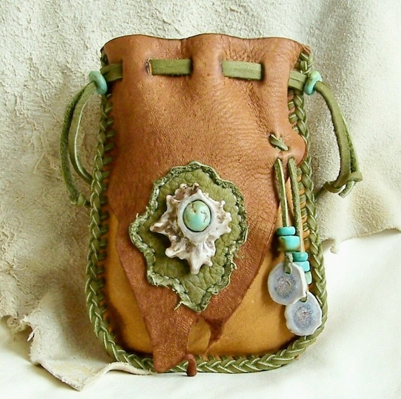 Native american style medicine bag with antler burr and for Native american handmade crafts
