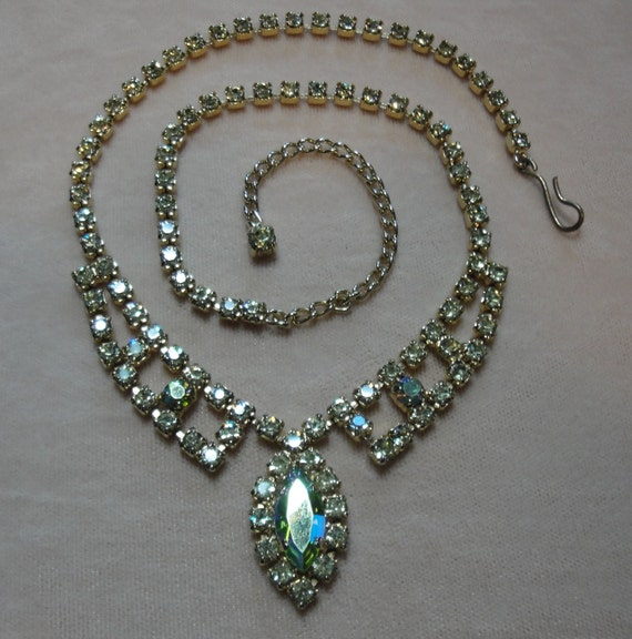 Vintage necklace, prong set rhinestone 1950s era, with lovely center aurora borealis design