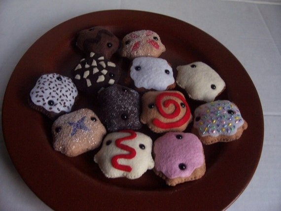 One Dozen Pastry-San Mini-Plushies