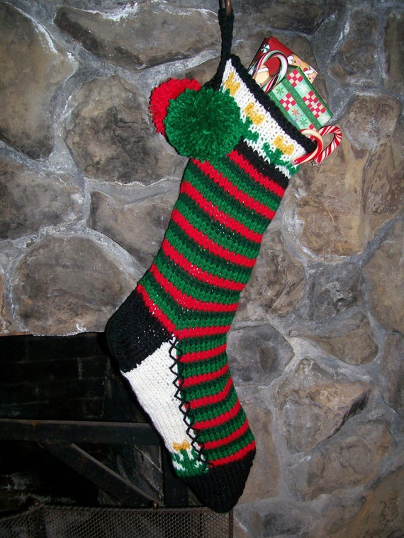 Old fashioned hand knit red two tone green horizontal for Fashion christmas stockings