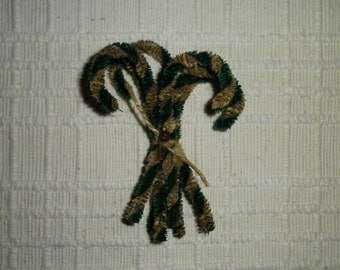 Primitive Chenille Candy Cane Ornies Green And White