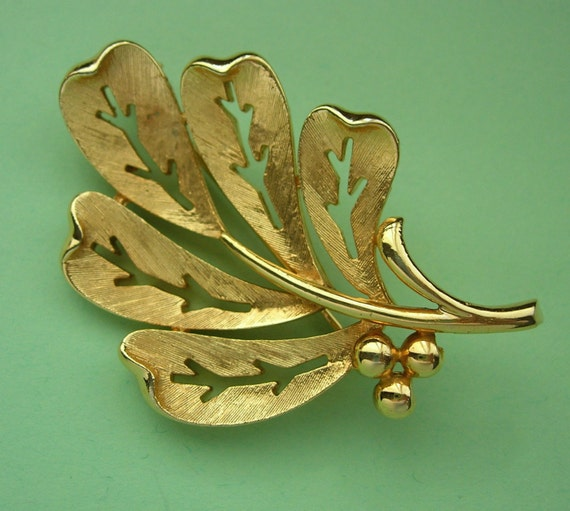 Vintage Christmas Holly Leaves Branch Brooch/Pin