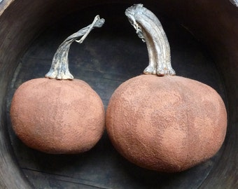 Folk Art Primitive Thanksgiving Wool Harvest Pumpkins With Real Dried Pumpkin Stems