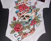 nwt white infant bodysuit or toddler tee of a skull with roses and dagger wording love kills always