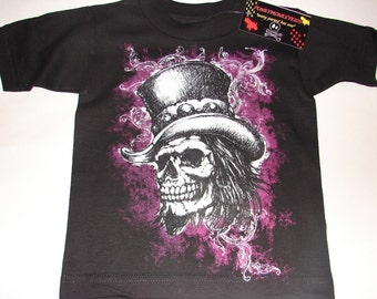 nwt black bodysuit or toddler tee of a skull with hat and earing