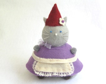 Cute Felt Gnome Cat Pincushion - Felt Pin Cushion - cute felt kitty cat collectable or Gift for sewer Gift for animal lover - MTO