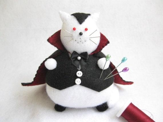 Vampire cat pincushion, Stuffed felt vampire, Stuffed white cat, White felt cat, Cute felt kitty, Halloween cat, Vampire decor, Cat art, MTO