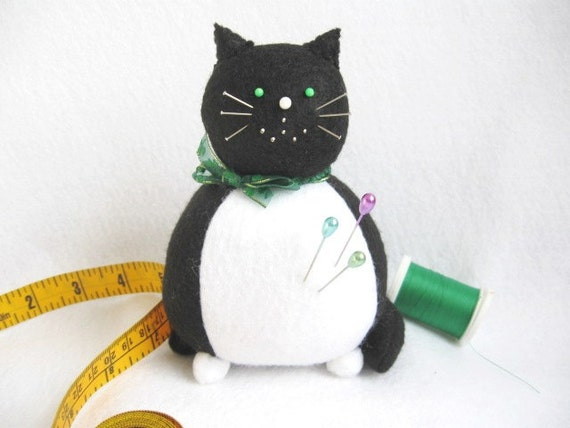 Black and White Fat Cat Pin Cushion with green Shamrock Bow - cute felt kitty cat collectable or Gift for lover Gift for sewer - Luke - MTO
