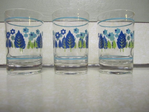 HOLD FOR rockingdiamondj00 Retro Swiss Chalet Alpine Drinking Glass Set