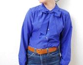 vintage 1970s / cobalt blue / peter pan collar / bow / secretary / blouse / polka dots / S-M