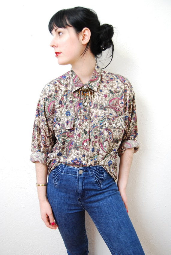 vintage 1990s / over size / silk / blouse / paisley / grunge / floral / shirt / pointed collar / S-M