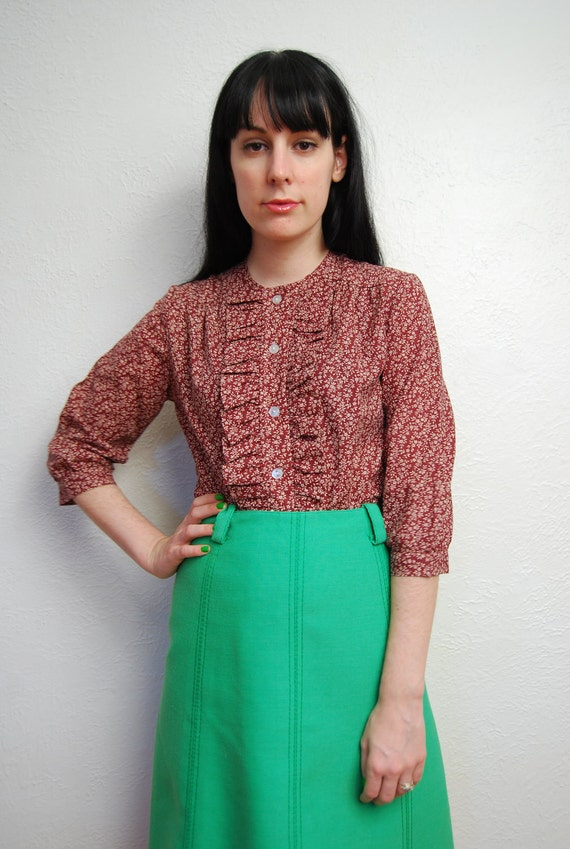 vintage 1960s / liberty print / ruffle blouse / red / burgundy / floral / mod / S-M