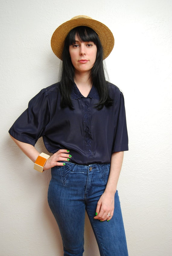 vintage 1990s / navy / silky / over sized / embroidered collar / peter pan collar / M-L