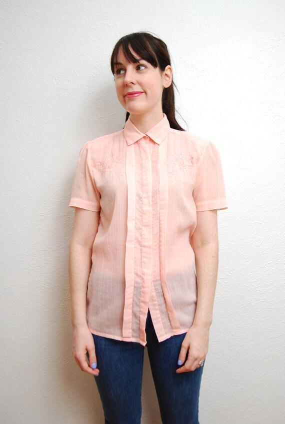 vintage 1970s / sheer pink / pastel / embroidered / peter pan collar / blouse / S-M