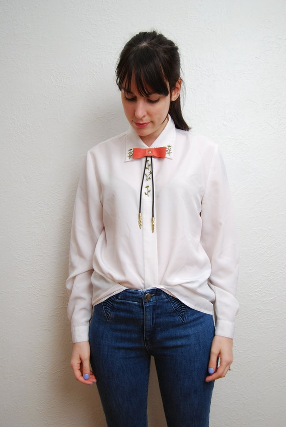 vintage 1990s / white blouse / floral collar / embroidery / over size / simple / shirt / S-M