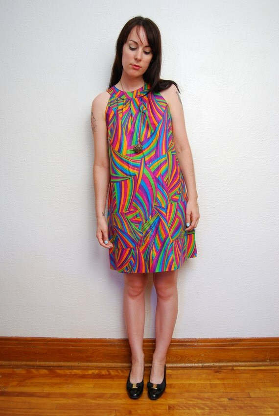 vintage 1960s / psychedelic print / mod / babydoll / Summer / mini dress / S